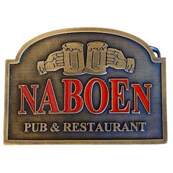 Pub and restaurant belt buckle with beer steins