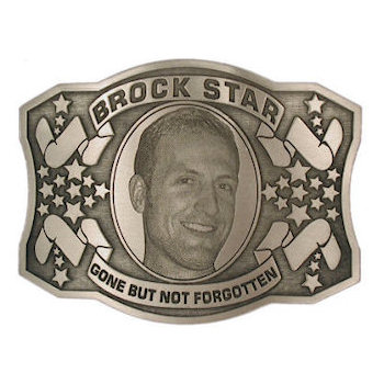 Memorial belt buckle with stars on either side